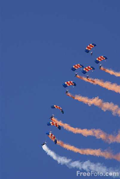 Picture of RAF Falcons Parachute Display Team - Free Pictures - FreeFoto.com