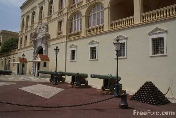 Picture of the Royal Palace of Monaco - Free Pictures - FreeFoto.com