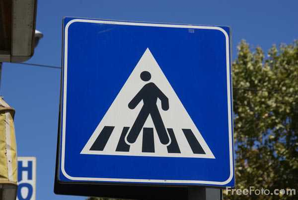 Picture of Pedestrian crossing road sign - Free Pictures - FreeFoto.com