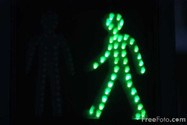 Picture of Green Man at Pedestrian Crossing - Free Pictures - FreeFoto.com