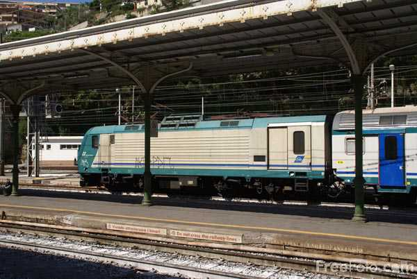 Picture of Trenitalia regional train service - Free Pictures - FreeFoto.com