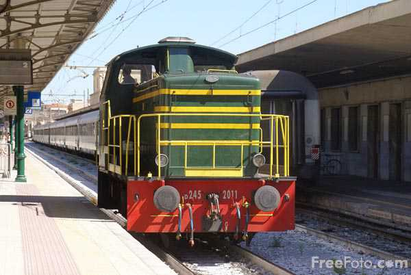 Picture of Class 245 FS Diesel Shunter 245.2011 - Free Pictures - FreeFoto.com