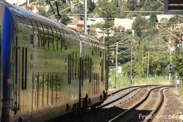 Picture of Rame SNCF Z 26500 double deck EMU - Free Pictures - FreeFoto.com