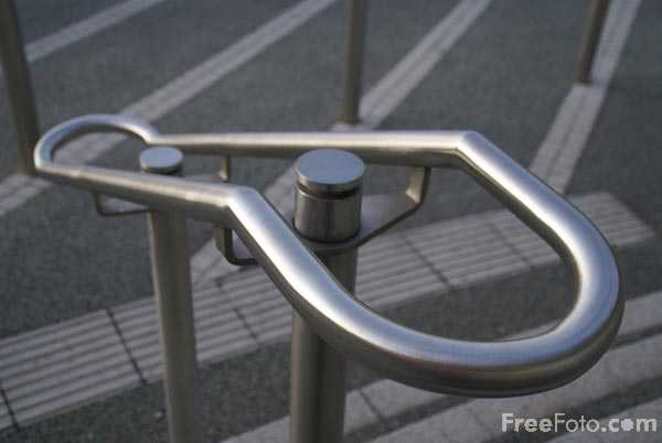 Picture of stainless steel handrail - Free Pictures - FreeFoto.com