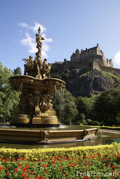 Picture of The Ross Fountain Princes Street Gardens - Free Pictures - FreeFoto.com