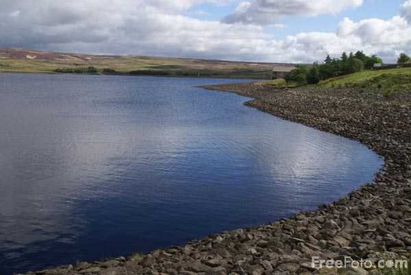 Picture of Grimwith Reservoir - Free Pictures - FreeFoto.com