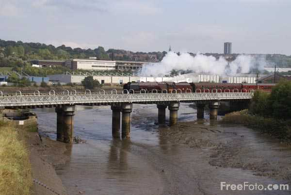 Picture of LMS Coronation Class 4-6-2 no 46233 Duchess of Sutherland - Free Pictures - FreeFoto.com