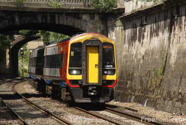 Picture of South West Trains Class 159 159016 - Free Pictures - FreeFoto.com