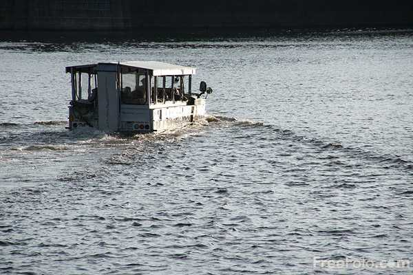 Picture of Boston Duck Tour - Free Pictures - FreeFoto.com