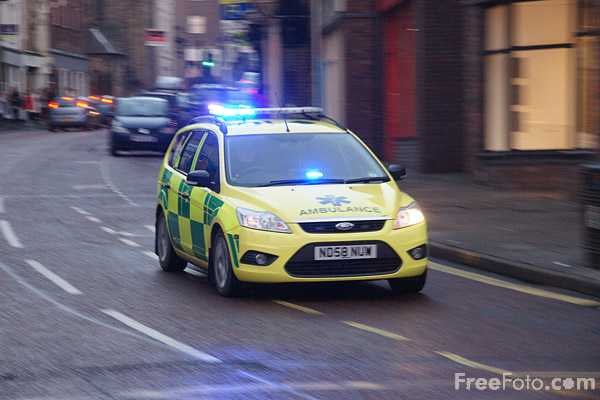 Picture of Paramedic rapid-response vehicle - Free Pictures - FreeFoto.com