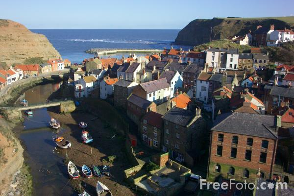 Picture of Staithes, North Yorkshire, England - Free Pictures - FreeFoto.com