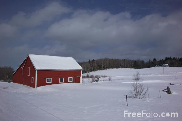 Picture of Red Barn in the snow, Vermont, USA - Free Pictures - FreeFoto.com