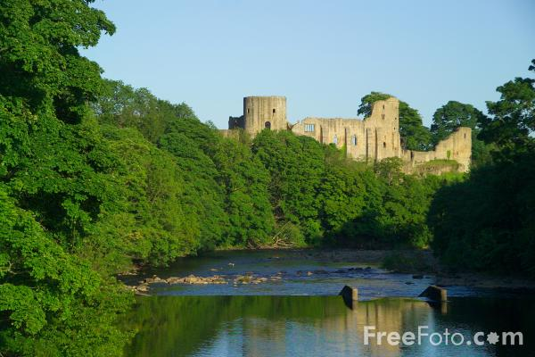Picture of Barnard Castle and the River Tees - Free Pictures - FreeFoto.com