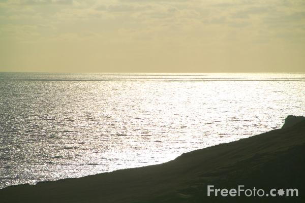 Picture of Sun light on the sea near Kynance Cove - Free Pictures - FreeFoto.com