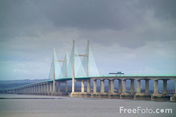 Picture of The New Severn Bridge set against a grey sky - Free Pictures - FreeFoto.com