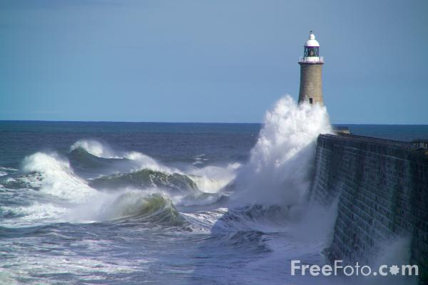 Picture of Stormy sea hitting the breakwater at Tynemouth - Free Pictures - FreeFoto.com