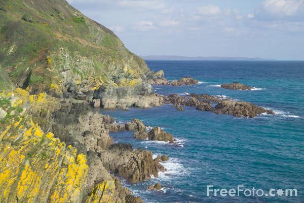 Picture of Coastline, Polperro, Cornwall - Free Pictures - FreeFoto.com