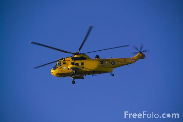 Picture of Westland Sea King HAR3 Helicopter XZ591 from 202 Squadron at RAF Boulmer - Free Pictures - FreeFoto.com
