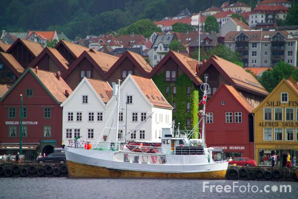 Picture of Bergin Harbour, Norway - Free Pictures - FreeFoto.com