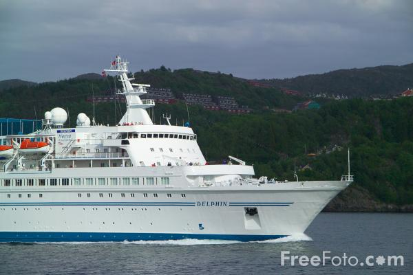 Picture of Cruise ship Delphin - Free Pictures - FreeFoto.com