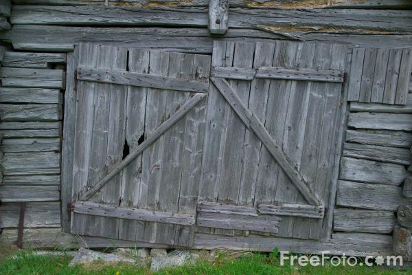 Picture of Old Wooden Doors, Laerdalsoyri, Norway - Free Pictures - FreeFoto.com
