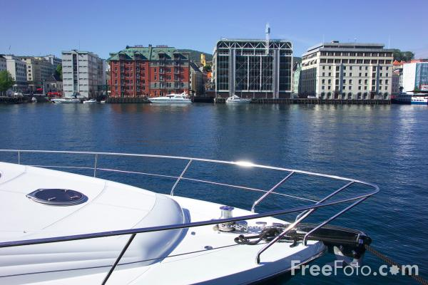 Picture of Bergen Harbour - Free Pictures - FreeFoto.com