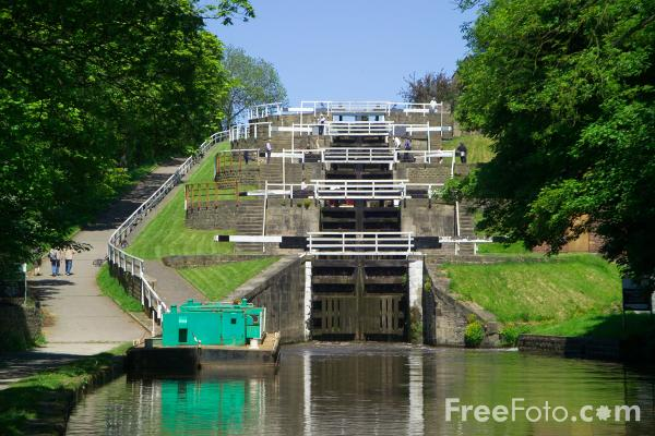 Picture of Bingley Five Rise Canal Locks - Free Pictures - FreeFoto.com