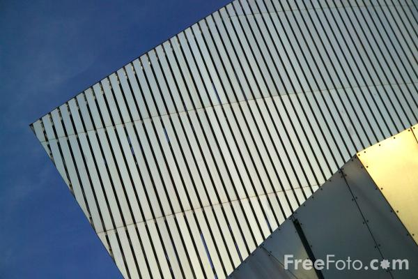 Picture of Imperial War Museum North, Manchester - Free Pictures - FreeFoto.com