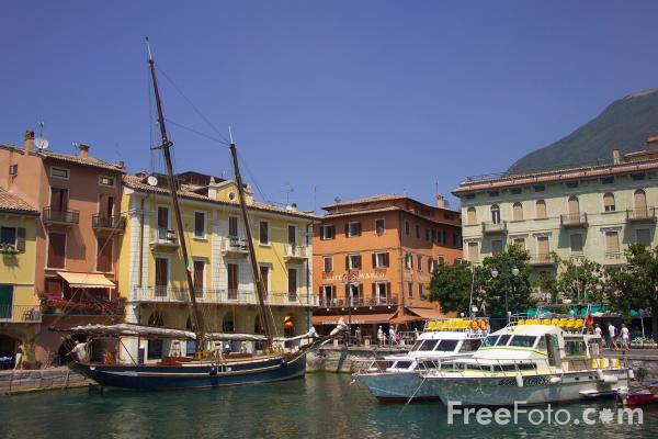 Picture of Small harbour, Malcesine, Lake Garda, Italy - Free Pictures - FreeFoto.com