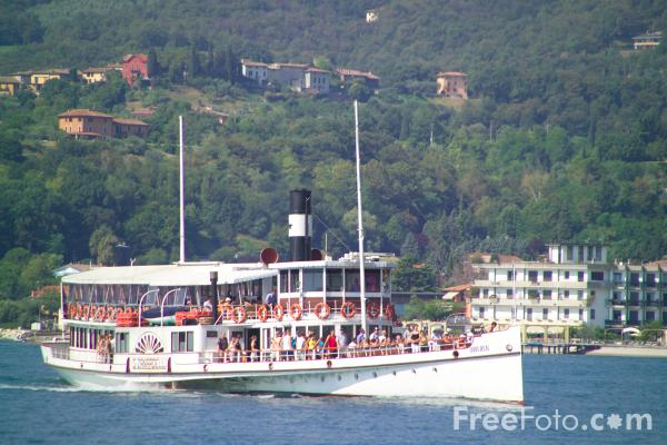 Picture of Paddle steamer, Lake Garda, Italy - Free Pictures - FreeFoto.com