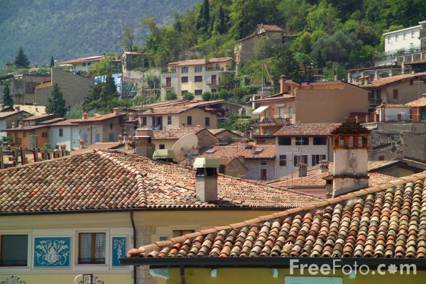Picture of Limone, Lake Garda, Italy - Free Pictures - FreeFoto.com