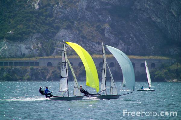 Picture of Water Sports, Lake Garda, Italy - Free Pictures - FreeFoto.com