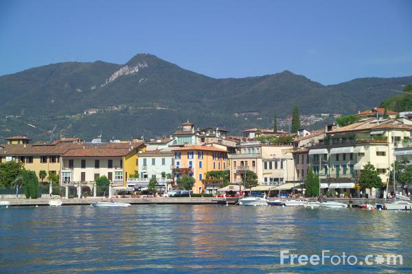 Picture of Salo, Lake Garda, Italy - Free Pictures - FreeFoto.com