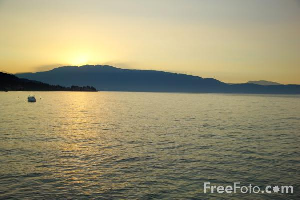Picture of Sunrise, 6:22am, Lake Garda, Italy - Free Pictures - FreeFoto.com