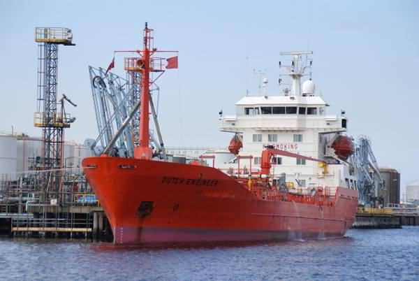 Picture of Tanker vessel - Free Pictures - FreeFoto.com