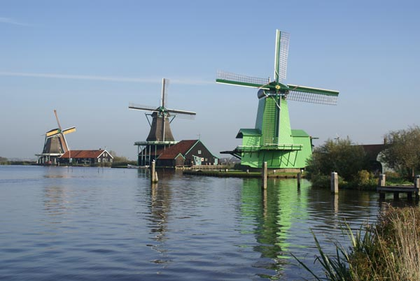Picture of Windmills, The Netherlands. - Free Pictures - FreeFoto.com
