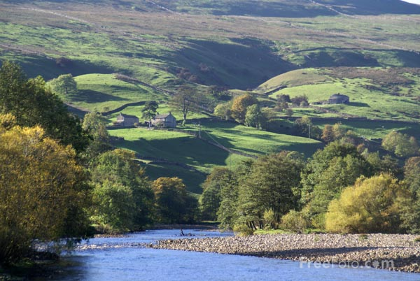 Picture of River Swale, Swaledale, North Yorkshire - Free Pictures - FreeFoto.com