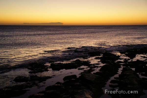 Picture of Sunrise, Whitley Bay - Free Pictures - FreeFoto.com