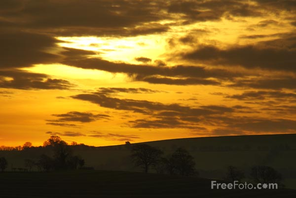 Picture of Winter Sunrise, Middletown, Powys, Wales - Free Pictures - FreeFoto.com