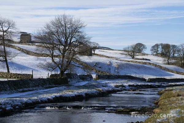 Picture of Winter Scene, Wharfedale, North Yorkshire - Free Pictures - FreeFoto.com