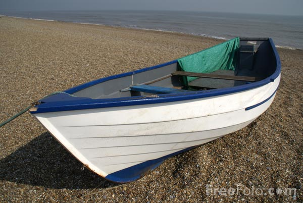 Picture of Beach fishing boat, Dunwich Beach. Suffolk, England - Free Pictures - FreeFoto.com
