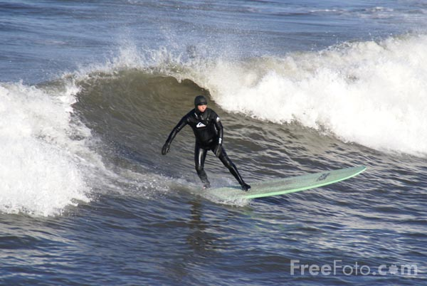 Picture of Surfing in Saltburn - Free Pictures - FreeFoto.com