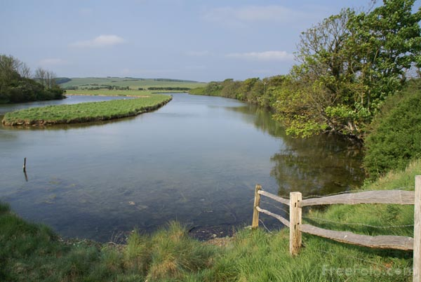 Picture of Cuckmere River - Free Pictures - FreeFoto.com