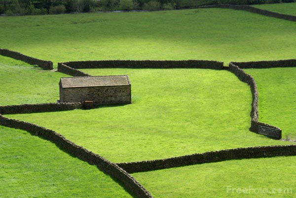 Picture of Swaledale Barn, Gunnerside, Yorkshire Dales - Free Pictures - FreeFoto.com