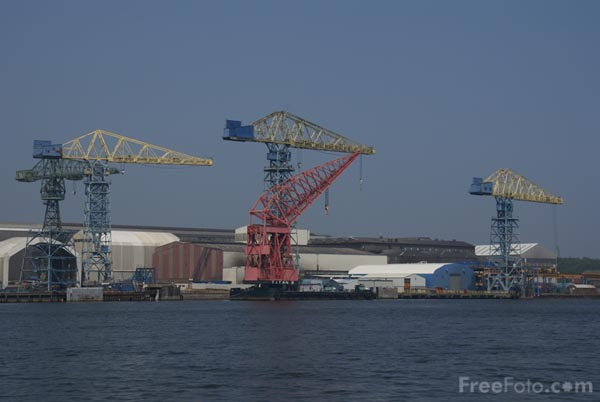 Picture of Shipyard cranes on the River Tyne. - Free Pictures - FreeFoto.com