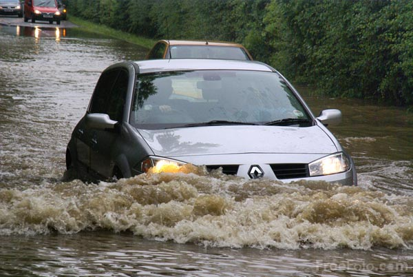 Picture of Flash floods in South Yorkshire - Free Pictures - FreeFoto.com
