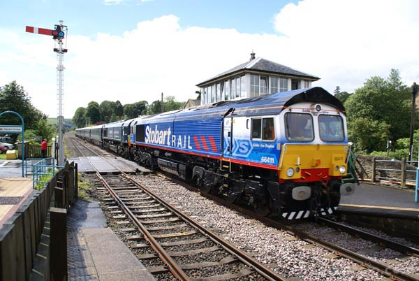 Picture of DRS Class 66 66411 Eddie the Engine - Free Pictures - FreeFoto.com