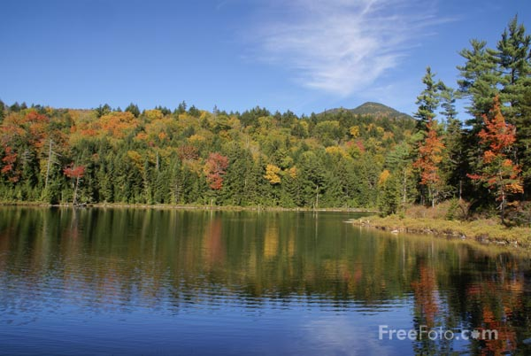Picture of Falls Pond, White Mountain National Forest, New Hampshire - Free Pictures - FreeFoto.com