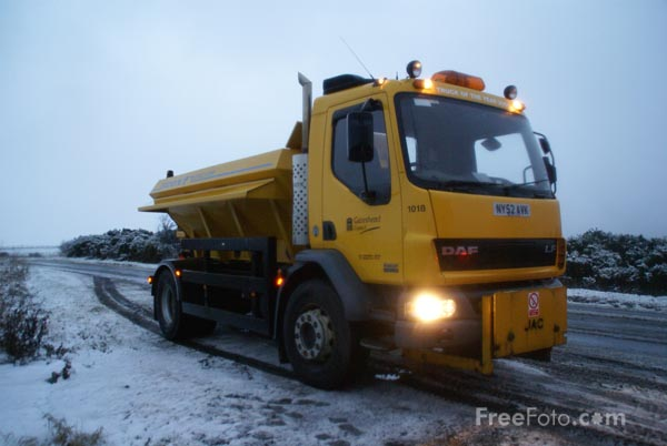 Picture of Gateshead Council Gritter - Free Pictures - FreeFoto.com