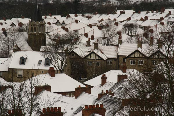 Picture of Snow covered roofs, Gateshead - Free Pictures - FreeFoto.com